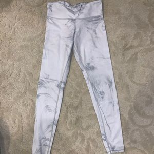 Alo Marble Leggings size small
